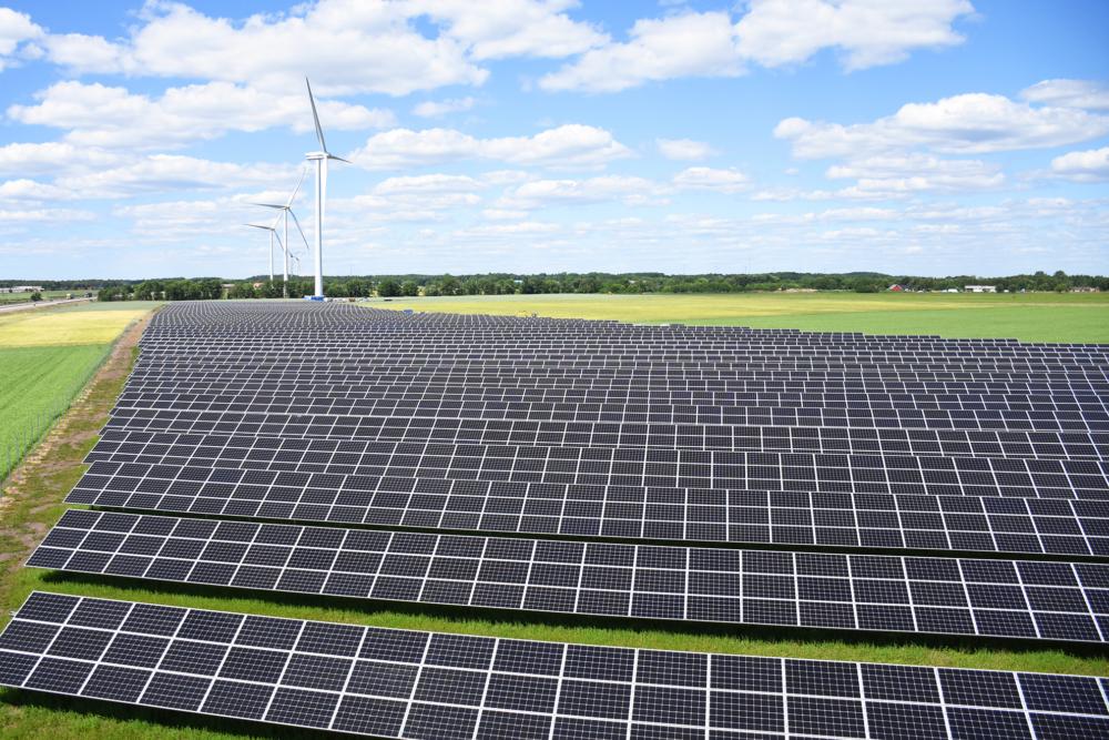 Solcellsparken Solsidan och två vindkraftverk